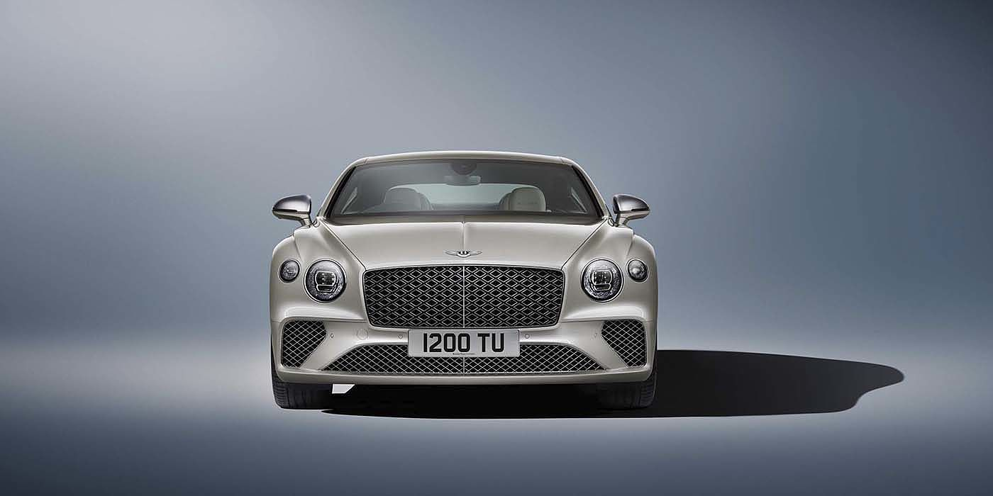 Bentley-Continental-GT-Mulliner-in-White-Sand-paint-front-view